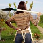 работа в саду спина