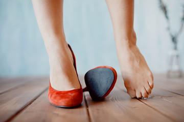 каблуки суставы