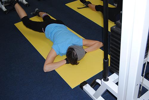 упражнение для таза на тренажерах