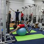 упражнение для позвоночника на фитболе